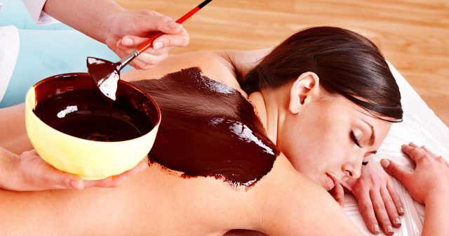 Peeling i masaż gorącą czekoladą