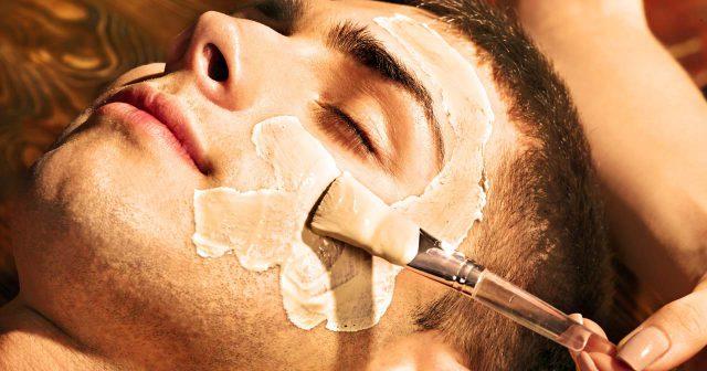 Zabieg regeneracyjny na twarz dla mężczyzn